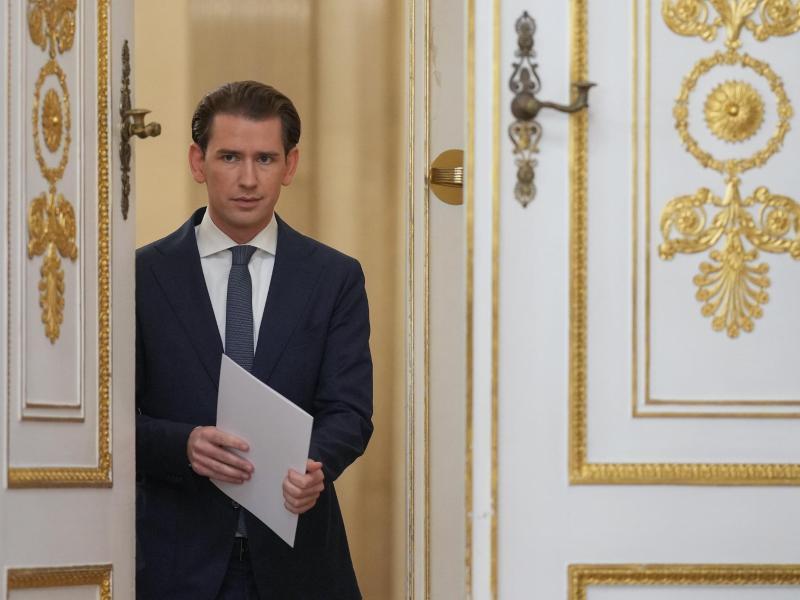 Sebastian Kurz (ÖVP), Bundeskanzler von Österreich, kommt, um ein Statement zur Regierungskrise abzugeben. (Archivbild). Foto: Georg Hochmuth/APA/dpa