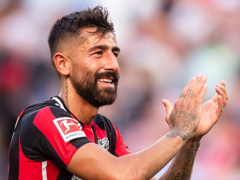 Lobt die Entwicklung der Mannschaft durch Leverkusens Trainer Gerardo Seoane: Kerem Demirbey. Foto: Marius Becker/dpa
