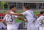 St. Paulis Leart Pacarada (l) und Jakov Medic feierten in Heidenheim einen Auswärtssieg. Foto: Stefan Puchner/dpa