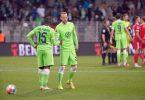 Für Jerome Roussillon (l-r) und Wolfsburgs neuen Rekordmann Maximilian Arnold gab es bei Union nichts zu holen. Foto: Matthias Koch/dpa