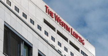 Hotel Westin Leipzig: Der Staatsanwaltschaft Leipzig liegen mehrere Anzeigen zu dem Vorfall vor - auch von dem beschuldigten Hotelmitarbeiter wegen Verleumdung. Foto: Hendrik Schmidt/dpa