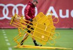 Bayern-Trainer Julian Nagelsmann bereitet das Abschlusstraining vor. Foto: Sven Hoppe/dpa