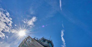 Der Schein trügt:Am Flughafen Hahn gehen bald die Lichter aus. Foto: Thomas Frey/dpa