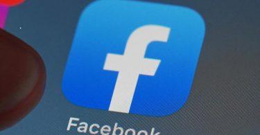 Bislang steht das blaue Facebook-Logo für den gesamten Konzern - künftig könnte es nur noch ein Produkt von vielen markieren. Foto: Uli Deck/dpa