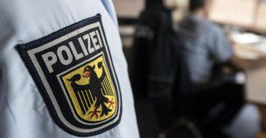Die Bundespolizei hat zwei ehemalige Bundeswehrsoldaten festgenommen, die unter dem Vedacht stehen, den Aufbau einer Söldnertruppe geplant zu haben. Foto: Boris Roessler/dpa/Symbolbild