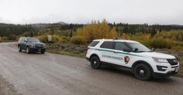 Ein Fahrzeug der U.S. Park Ranger östlich des Grand-Teton-Nationalparks, wo die Leiche von Gabby Petito gefunden wurde. Foto: Amber Baesler/AP/dpa