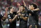 Bayern-Spieler feiern ihr zweites Tor. Foto: Armando Franca/AP/dpa