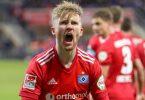 Tommy Doyle schoss den HSV in Paderborn spät zum Sieg. Foto: Friso Gentsch/dpa