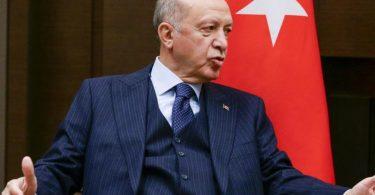 Präsident Recep Tayyip Erdogan erklärt unter anderem den deutschen Botschafter in der Türkei zur unerwünschten Person. Foto: Vladimir Smirnov/Pool Sputnik Kremlin/AP/dpa