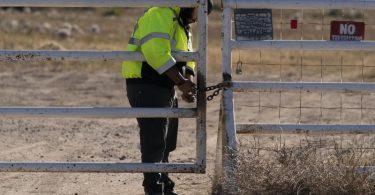 Die Dreharbeiten für den Western «Rust» wurden nach dem Tod vonKamerafrau Halyna Hutchins ausgesetzt. Foto: Jae C. Hong/AP/dpa