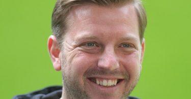Ist vollerTatendrang beim VfL Wolfsburg gestartet: Trainer Florian Kohfeldt. Foto: Friedemann Vogel/EPA-Pool/dpa