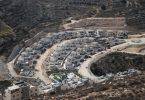 Blick auf die israelische Siedlung Givʿat Seev in der Nähe von Jerusalem. Foto: Muammar Awad/XinHua/dpa