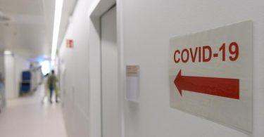 Angesichts steigender Corona-Infektionszahlen wächst abermals die Sorge vor einer Überlastung der Krankenhäuser. Foto: Robert Michael/dpa-Zentralbild/dpa