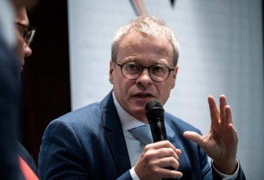 Kann sich vorstellen, DFB-Chef zu werden:Peter Peters. Foto: Fabian Strauch/dpa